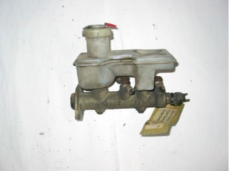 Master cylinder old type